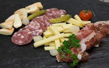 Petit plateau (2-3pers.) Charcuteries & Fromages