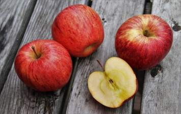 Gala apples (Swiss, Vaud)