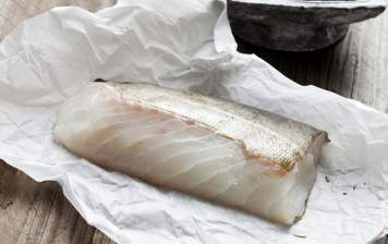 Wild cod filet with skin (boned)