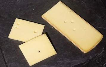 Cheese slices for burgers, Bruand