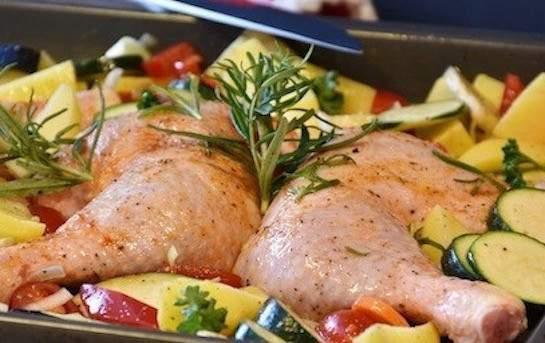 2 x Cuisse de poulet genevois  Accompagnées de légumes BIO