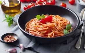 Tagliatelles fraîches & sauce tomates Pour 2 personnes