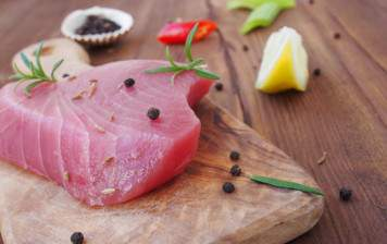Pan-fried heart of tuna