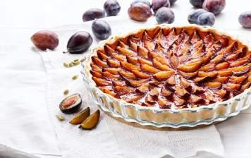 Prune tart