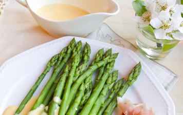 Asperges, sauce hollandaise à l'orange