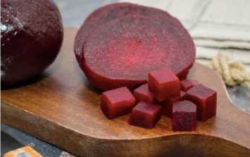 Cooked beets in cubes