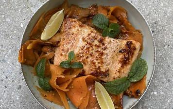 Saumon glacées aux carottes